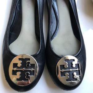 Tory Burch Flats in Excellent Condition!